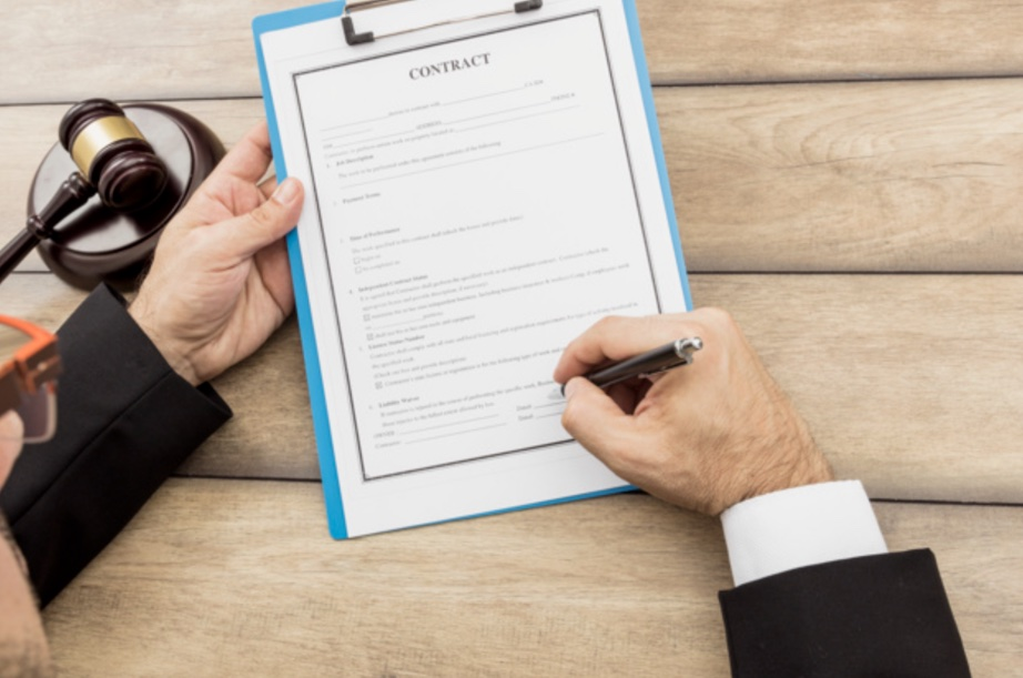Checklist to consider before hiring services of law firms in Chicago Illinois